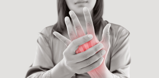 Artrita psoriazică: definiţie, cauze, simptome şi tratament