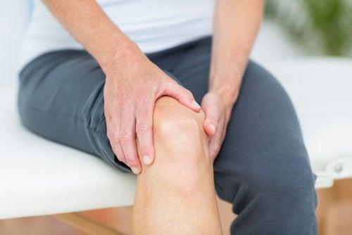 umflarea articulației pe picior dureri severe dureri articulare în zona pelvină