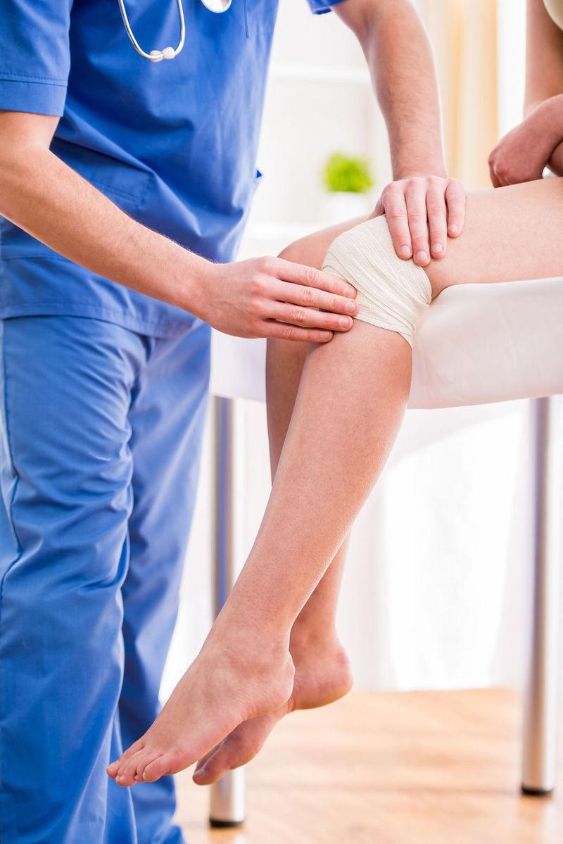 dureri de genunchi după buc