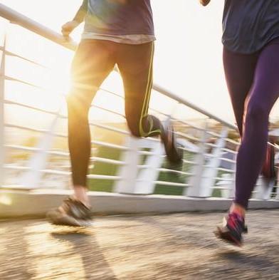 după alergarea durerii la genunchi