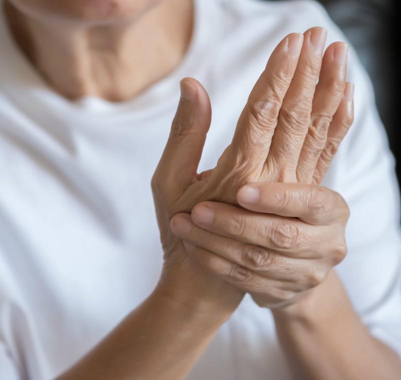 nou în tratamentul artrozei șoldului steroizi pentru reparația articulară