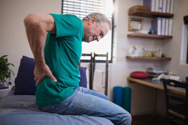 durere ascuțită în articulația șoldului