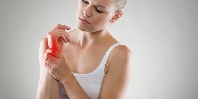 provocând dureri articulare