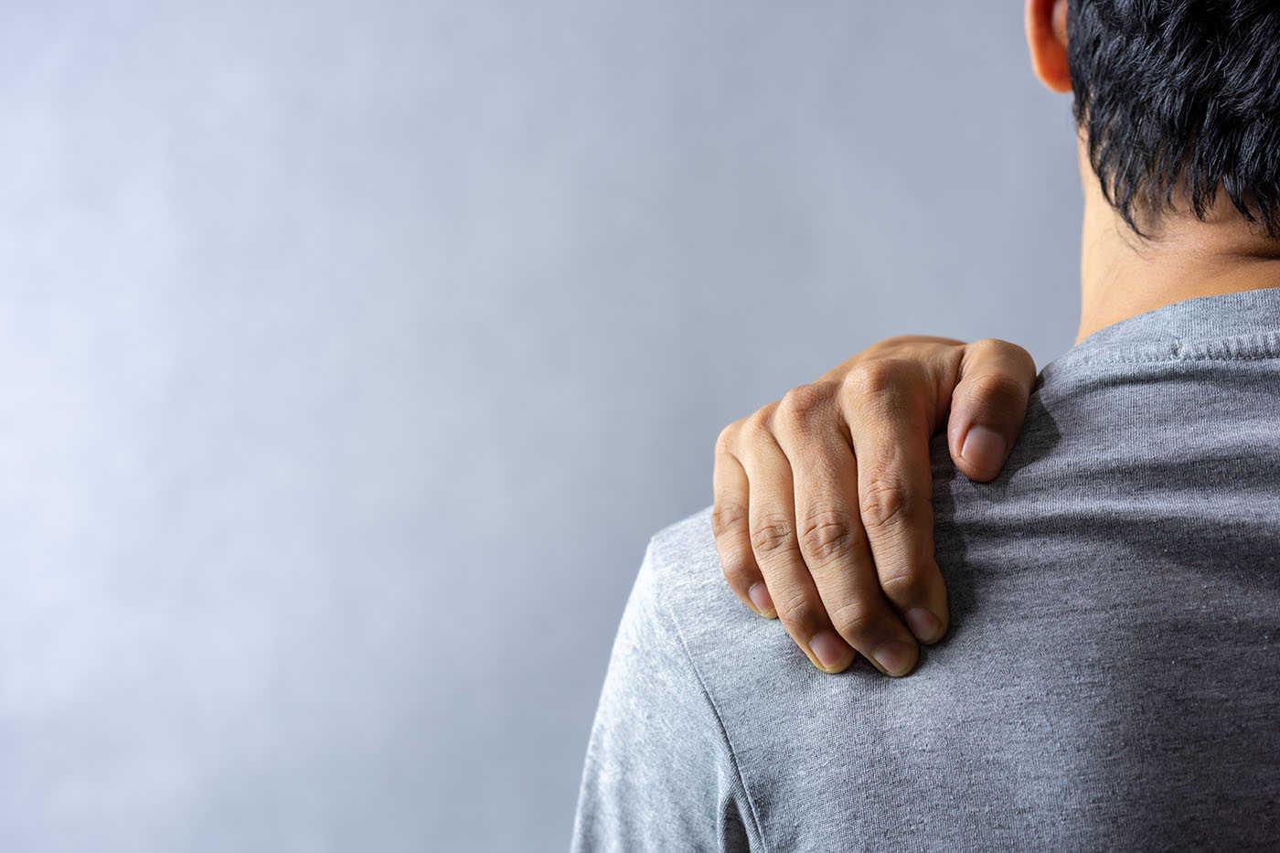 recenzii ale tratamentului durerii de umăr de ce rănesc articulațiile cotului