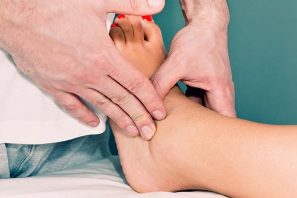 Umflarea picioarelor in cancer – cauze si tratament - Cancer