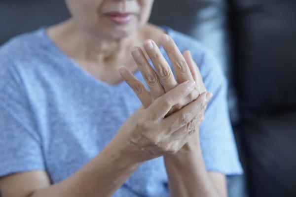 Artroza degete