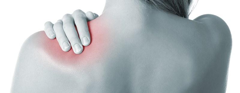 Boli durere în zona lamei umărului stâng și în piept Durere În